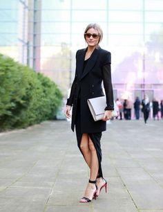 Olivia Palermo en robe drapée et veste