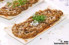 Paté de berenjena con miel Comida Armenia, Natur House, Hummus, Tapas, Banana Bread, Bacon, Pork, Healthy Recipes, Healthy Food