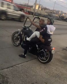 Hollywood Customs #trippinonwheels #bikelife #atl #gokarts #motorcycle #motorbikes #bicycles #scooters #motorsport #youtubechannel #motorizedbike #bike #harley #honda #suzuki #predator #fabrication #welding #metal #lilugly #hollywoodcustoms #kids #gokart #speedracer #cbr900rr #watchthis #trex #atlbikelife #riders #musicvideos