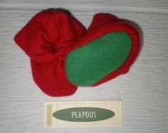 Cashmere slippers, PEAPOD baby booties, red with green soles, Christmas booties, double thick 100% cashmere, size 3-9 months
