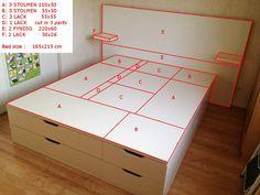 Matériel : – 3 x STOLMEN, 110 x 50 cm, Commode 2 tiroirs, blanc (901.799.27) – 3 x STOLMEN, 55 x 50 cm, Commode 2 tiroirs, blanc (601.799.19) – 4 x LACK, 55 x 55 cm, Table d'appoint, blanc (200.114.13) (1 coupée en 3 parties) – 2 x LACK, 30 x 26 cm Étagère murale, blanc (501.036.18) – 2 x FYNDIG, 220 x 60 cm, Plan de travail, blanc (802.024.43) Description : Nous voulions un lit avec beaucoup de rangements ! FYNDIG sont fixés ensemble avec des pattes métalliques L'image est explicite pour…