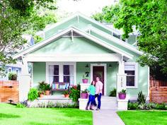 17 Ideas Exterior Remodel Bungalow Color Schemes For 2019 Craftsman Exterior, Cottage Exterior, House Paint Exterior, Craftsman Bungalows, Exterior House Colors, Craftsman Houses, Craftsman Kitchen, Design Exterior, Bungalow Homes