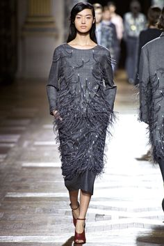 Dries Van Noten Fall 2013 Ready-to-Wear Fashion Show - Tian Yi (OUI)