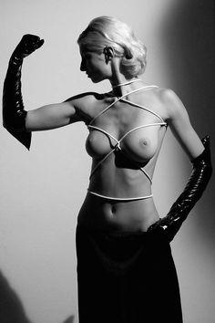 Omaggio a Helmut Newton — Andrea Bonfatti Fotografo