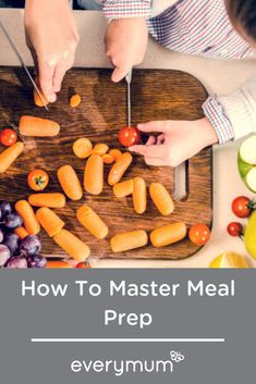 If you can find a convenient time of the day sometime through the week, meal planning and meal prepping can really makes your life easier in the long run. Here are 4 easy steps to getting your meal prep in order! Quick Family Meals, Quick Meals, Batch Cooking, Cooking Tips, Chicken Pasta Dishes, Meal Prep For Beginners, Family Meal Planning, Dinner For Two, Meal Prep For The Week