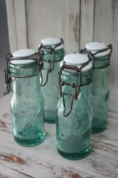 Little Mini Bottles  (these may not actually be vintage, but they're vintage-style)