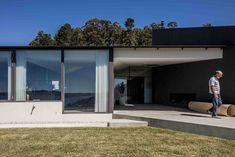 Completed in 2016 in Middleton, Australia. Images by Adam Gibson. This is a special house designed for a retired couple, making the move from Sydney to the luscious landscape of Middleton in southern Tasmania. It's...