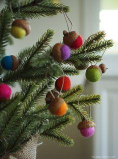 Felted Acorn Ornaments :: DIY Tutorial