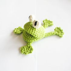Hey, I found this really awesome Etsy listing at https://www.etsy.com/listing/76282981/crochet-frog-pattern-english-us-terms