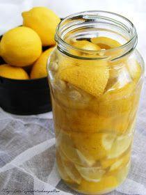 A tartósított citrom hagyományosan Észak-afrikai, Dél-ázsiai fűszer. ( Forrás ) A kockára, negyedekre, felére darabolt, vagy egész...