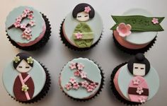 Geisha cupcakes from Art Cup Cupcakes in Tel Aviv