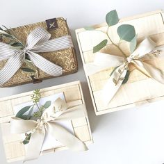 packaging bow Box and Bow Bride Box Gift, Wedding Gift Boxes, Gifts For Wedding Party, Wooden Gift Boxes, Wooden Gifts, Boxes And Bows, Curated Gift Boxes, Gift Wraping, Bridesmaid Proposal Box