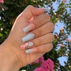 Image about white in nails by ༺♥༻ on We Heart It Uploaded by ༺♥༻. Find images and videos about white, nails and hand on We Heart It - the app to get lost in what you love. Bling Acrylic Nails, White Acrylic Nails, Summer Acrylic Nails, Best Acrylic Nails, Glitter Nails, Summer Nails, Soft Nails, Edgy Nails, Cute Nails