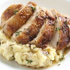 Pan Roasted Chicken with Thyme - An easy chicken recipe perfect for any weeknight. It has crispy golden brown skin that can only be described as heavenly.