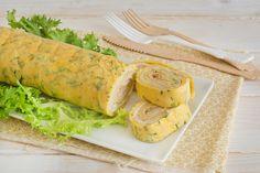Rotolo di frittata ripieno: ingredienti e modalità di preparazione di questo sfizioso piatto con prosciutto e formaggio filante, cotto in forno