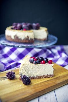 Najpelší FIT Cheesecake | We Lift Together Healthy Deserts, Healthy Cake, Healthy Sweets, Healthy Dessert Recipes, Sweet Desserts, Healthy Baking, Sweet Recipes, Healthy Cheesecake, Food Goals