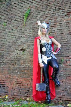 Thor Marvel 5 by Yeonlang on DeviantArt Iron Man Costume Kid, Costume Thor, Costumes Marvel, Diy Costumes, Cosplay Costumes, Female Thor Costume, Viking Halloween Costume, Halloween Costume Contest, Halloween Cosplay