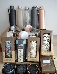 Štýlové a ekologické fľaše EQUA s kvalitným tesniacim viečkom sú vyrobené z borosilikátového skla a sú opatrené silikónovými ochrannými prvkami, ktoré poskytujú zvýšenú ochranu pred rozbitím. Bamboo, Personal Care, Mugs, Bottle, Beauty, Self Care, Personal Hygiene, Tumblers, Flask