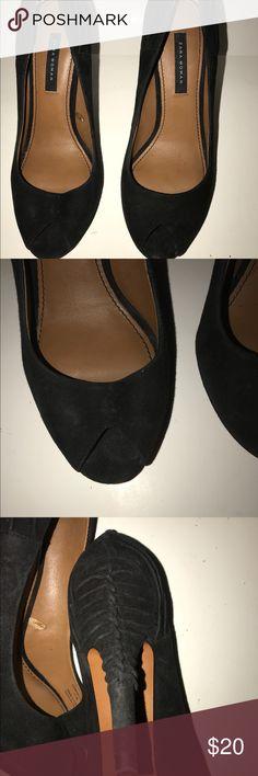🎀🎀🎀Gently used Zara peep toe heels 👠 Suede gently used Zara women peep 👀 toe heels 👠.  Sexy heels size 39 with intricate design in the back. Please look at pics carefully . Zara Shoes Heels