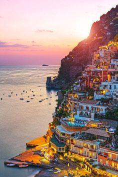 Büyüleyici bir gün batımı... Positano, İtalya.