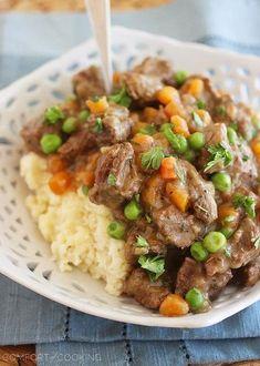 Irish Beef Stew with Mashed Potatoes http://www.thecomfortofcooking.com/2014/03/irish-beef-stew-with-mashed-potatoes.html