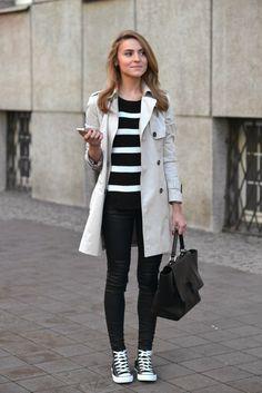 Rayas y los mejores skinny jeans que encuentres | 16 Maneras de usar Converse para ir a trabajar