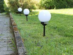 #Solar_Gartenkugeln Ø 15 cm mit in der Kugel integrierter Solarzelle und Akku. Diese Kugeln sind wunderbar einfach aufgestellt und setzen im Garten oder an Wegen die perfekten Lichtmomente.