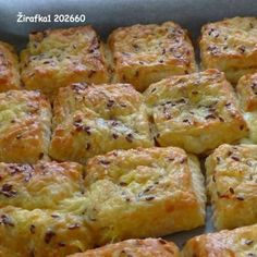 Syrové pagáče, niečo tak lahodné a chutné sa raz isto hodí každému. Slovak Recipes, Czech Recipes, Perfect Cheesecake Recipe, Cheesecake Recipes, Baking Recipes, Snack Recipes, Snacks, Easy Dinner Recipes, Easy Meals