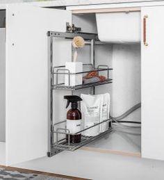 Tvättkorg monterad i låda | It's Design Kitchen Cart, Speed Cleaning, Sweet Home, Interior, Organisation, Kitchen, Diy Organization, Kitchen Appliances, Home Decor