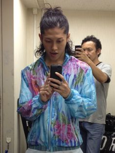 Miyavi.....Me takin a pic of Hassie takina pic of me and Hassie takin a pic of me.