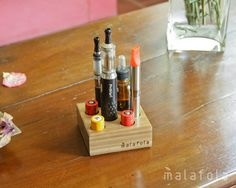 QUEDER 7A  - Wood vape stand - Willow