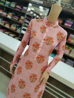 Salwar Neck Designs, Churidar Designs, Kurta Neck Design, Neck Designs For Suits, Kurta Designs Women, Dress Neck Designs, Blouse Designs, Kurta Patterns, Kurti Designs Party Wear