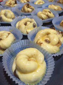 ΜΑΓΕΙΡΙΚΗ ΚΑΙ ΣΥΝΤΑΓΕΣ 2: Ρολάκια κανέλας !!! Cake Cookies, Cupcake Cakes, Sweet Pie, Doughnut, Bakery, Favorite Recipes, Desserts, Kos, Gourmet