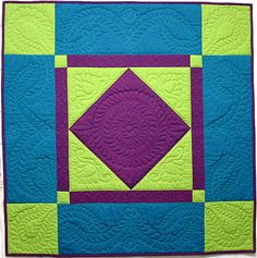 Asilomar Amish a small quilt by award winning machine quilting instructor Diane Loomis Amische Quilts, Barn Quilts, Sampler Quilts, Quilt Baby, Couettes Amish, Quilting Projects, Quilting Designs, Quilting Ideas, Amish Quilt Patterns
