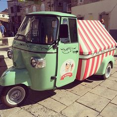 From Korkula Croatia, this Piaggio Ape ice cream truck. Working the circus tent look. pic by _ Ice Cream Cart, Ice Cream Parlor, Mini Camper, Gelato, Foodtrucks Ideas, Vespa Ape, Coffee Van, Mobile Catering, Truck Tent