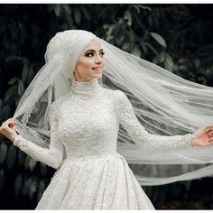 types of muslim wedding dresses Hijabi Wedding, Muslimah Wedding Dress, Hijab Style Dress, Muslim Wedding Dresses, Muslim Brides, Best Wedding Dresses, Designer Wedding Dresses, Bridal Dresses, Lace Ball Gowns