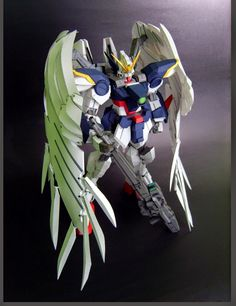 Hi-Resolution Model 1/100 Wing Gundam Zero EW -Model Kit