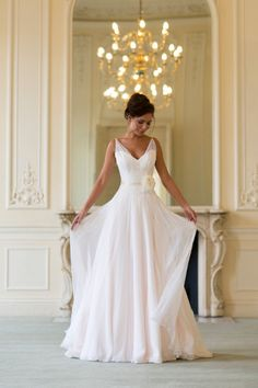 I need to get married again solely to wear this dress - where was it 6 months ago!!! Wedding Magazine - Lookbook: 2014 wedding dresses