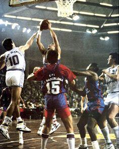FCB vs Real Madrid, 88/89. Steve Trumbo grabs rebound, Antonio Martín, San Epifanio, Saulsberry & Romay.