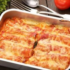 After making this Stuffed Cannelloni recipe I will never use store bought shells. - After making this Stuffed Cannelloni recipe I will never use store bought shells again. Making you - Kraft Recipes, Crepe Recipes, Pasta Recipes, New Recipes, Chicken Recipes, Cooking Recipes, Three Cheese Manicotti Recipe, Baked Manicotti, Spinach Manicotti