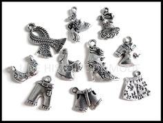 Lot de 10 Breloques vêtements de mode en métal argenté vieilli RZZ18