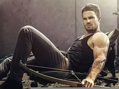 New Arrow Photos In Entertainment Weekly's Fall TV Preview Issue | GreenArrowTV