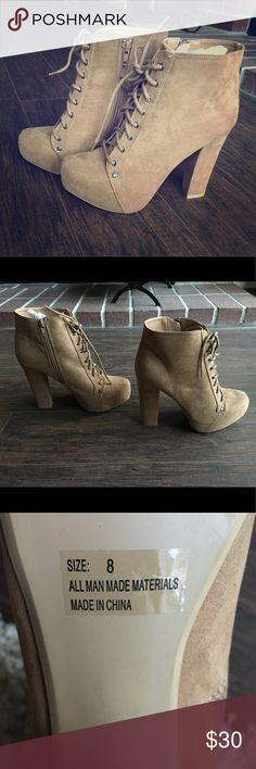 "4"" heeled booties from ShoeDazzle. Women's size 8. 4"" heeled booties from ShoeDazzle. Women's size 8. NEVER WORN! ShoeDazzle Shoes Ankle Boots & Booties"