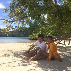 Love and the ocean  Enjoy every sunset  #travelling #beach #summer #exploreindonesia #explorelampung #pahawangisland #photograph #photography #love #boyfriend