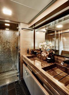 France / Antibes / Yacht / Bath Room / Avalon / Cravt / Ferretti / Eric Kuster / Metropolitan Luxury
