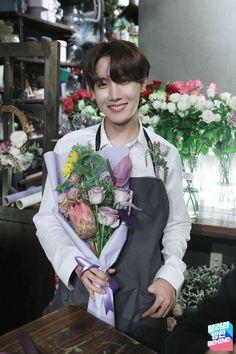 bts run behind cap 99 Seokjin, Namjoon, Taehyung, Bts J Hope, J Hope Selca, Jimin Jungkook, Bts Bangtan Boy, Jung Hoseok, Park Ji Min