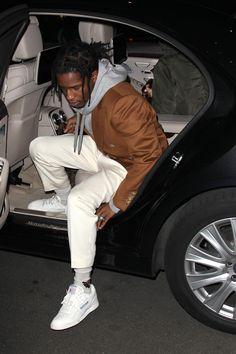 fashion killa ASAP Rocky wearing Reebok Workout Plus Vintage Sneakers, Gucci Hooded cotton sweatshirt with Gucci print, Gucci Wool blend socks with bee Asap Rocky Outfits, Asap Rocky Fashion, Reebok Workout Plus, Lord Pretty Flacko, Mode Hip Hop, Urban Fashion, Mens Fashion, Fashion News, Style Masculin