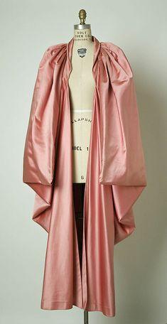 Evening wrap House of Balenciaga (French, founded 1937) Designer: Cristobal Balenciaga (Spanish, 1895–1972) Date: 1951 Culture: French Medium: silk