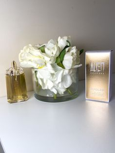 Gold Dress, Bergamot, Consciousness, Jasmine, Vanilla, Fragrance, Sparkle, Perfume, Bottle
