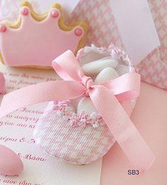 Pink little shoe Baptism Pink Modern bombonieres-baby girl shower-baby shower gift-christening favors-Orthodox Greek Baptism- Christening Favors, Baptism Favors, Baptism Gifts, Baptism Invitations Girl, Girl Shower, Shower Baby, Baby Journal, Baby Boy Or Girl, Gift Hampers